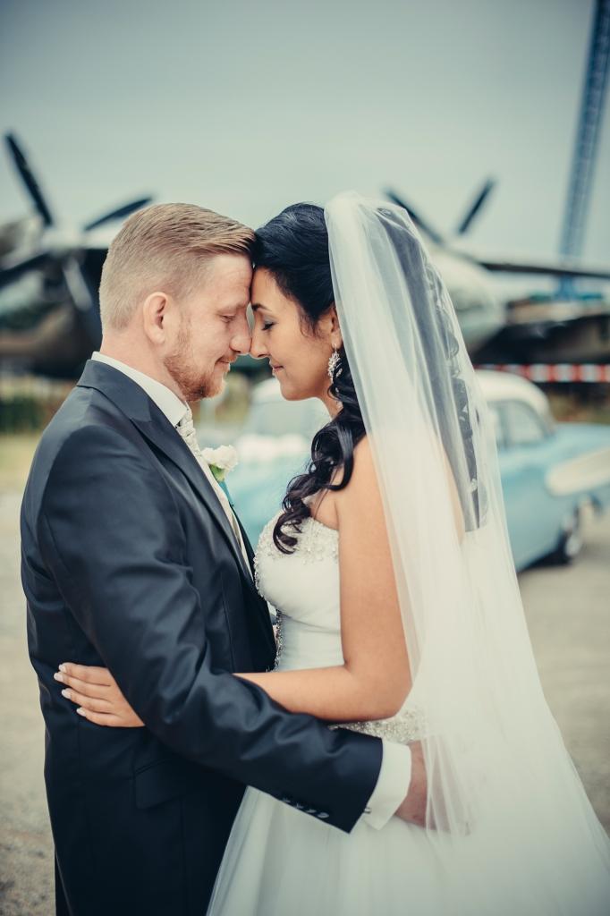 weddingjune222384123409101571
